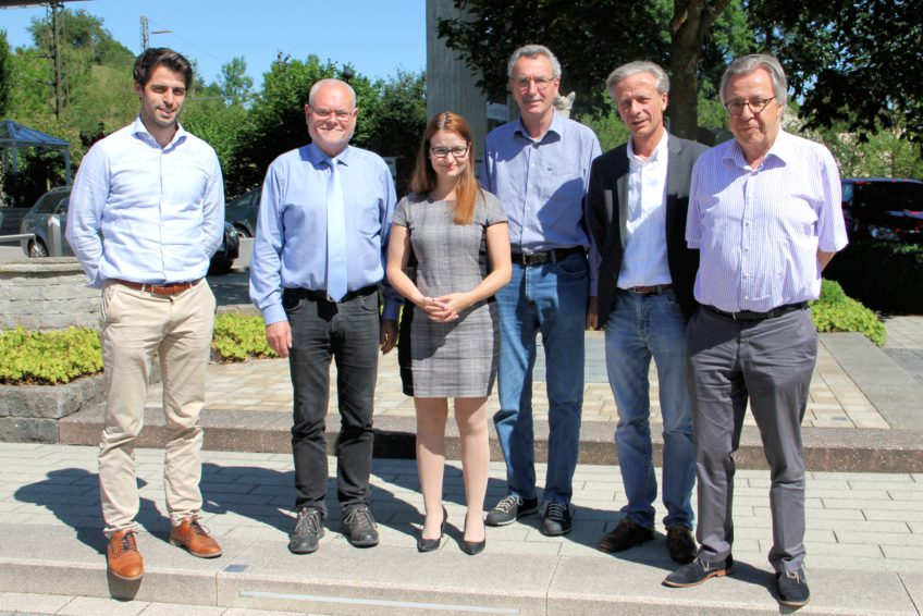 Bundestagsabgeordnete Ronja Kemmer Besucht Braun Steine In Amstetten